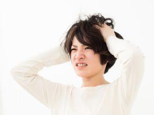 40代髪型ミディアム☆くせ毛で丸顔はどんな髪型が似合うの?