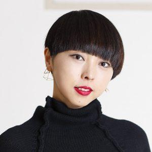 40代☆「ストレートで前髪あり」は個性的なイメージ?!