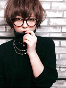 40代 髪型 ミディアム くせ毛 メガネ☆個性を生かして記憶に残る人に♡
