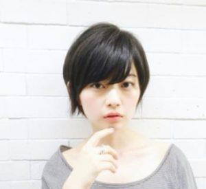 40代髪型☆くせ毛で丸顔さんに似合うショートはこれ!!
