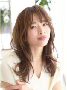 40代髪型☆面長さんに似合うのは「ひし形シルエット」&「長い前髪」